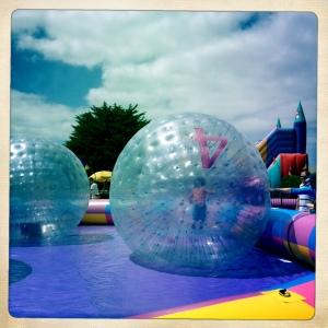 jumpingballs4